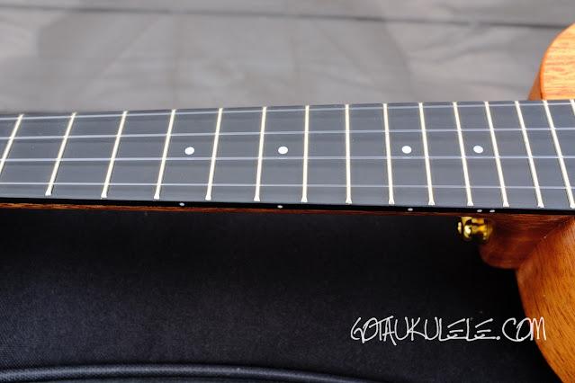 Enya EUC-MS Concert Ukulele neck