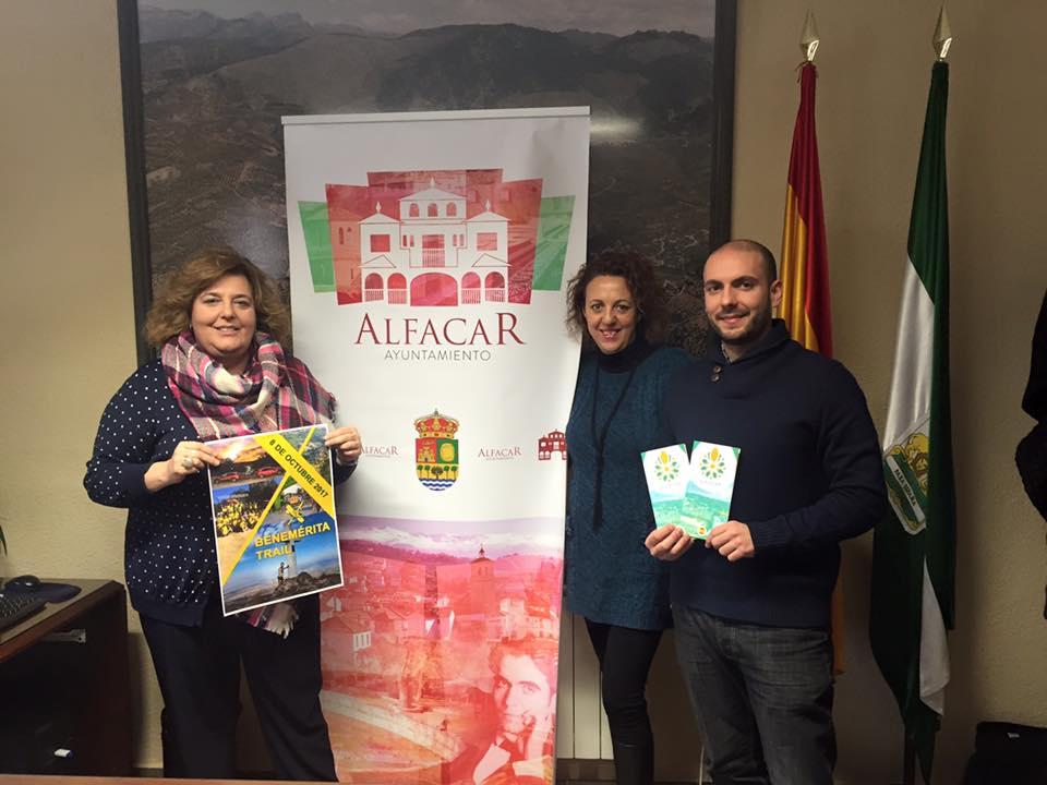 Área de Turismo del Ayuntamiento de Alfacar. Presentación de los folletos turísticos para FITUR 2017.