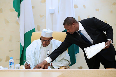 News: More trouble for corrupt Nigerians as Buhari signs extradition agreement with UAE
