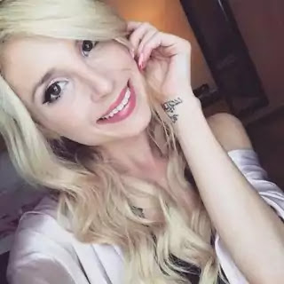 Piper Perri Was Born 5 june 1995 In Harrisburg USA She Was, Actress And Model, Piper Perri  Was Real Name Is Julienne Frederico, She Was Unmarried And Hot And Tall Lady