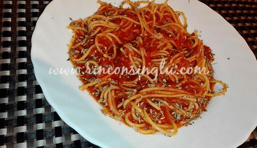 spaguettis sin gluten con salsa para celiacos