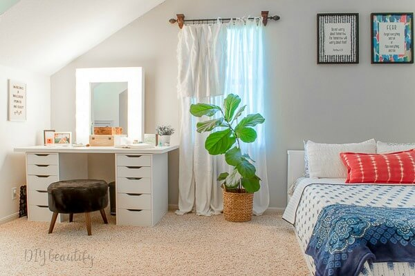 Modern Teen Girl's Bedroom with Platform Bed | DIY ...