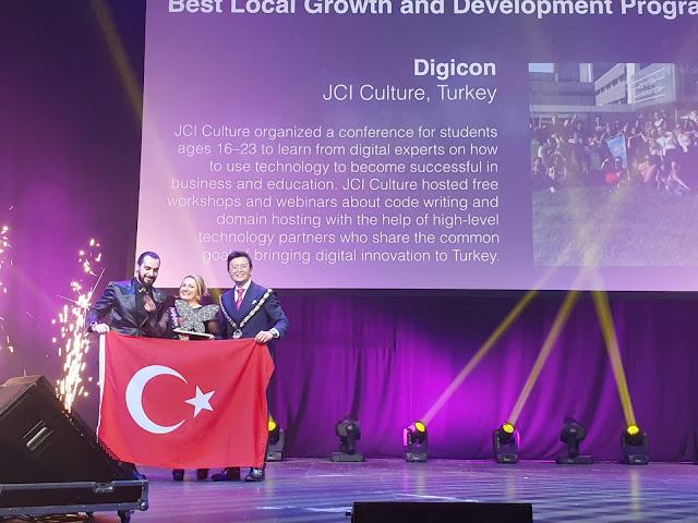 Türk gençleri 112 ülkenin katıldığı konferanstan ödülle döndü