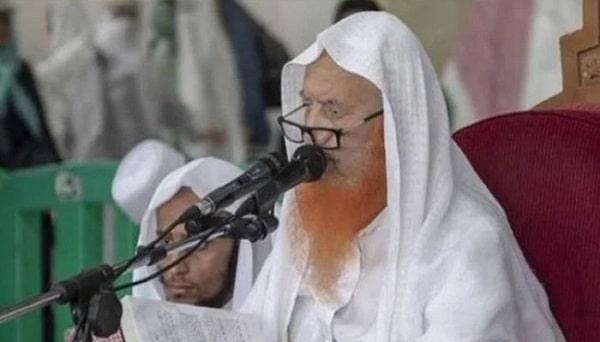 Senior Muazzin of Haram Makki, Sheikh Abdul Rehman Al-Ajlan Has Died at the Age of 85
