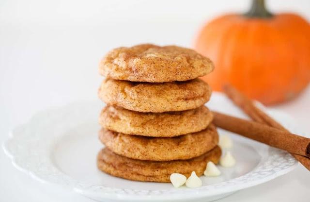 White Chocolate Pumpkin Snickerdoodles #cookies #recipes