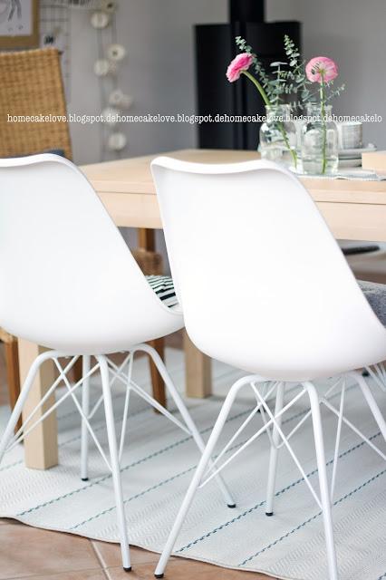 Teppich von benuta, Stuhl im Eames Style, Plasticchair white,Ranukeln, Esszimmer Dekoration