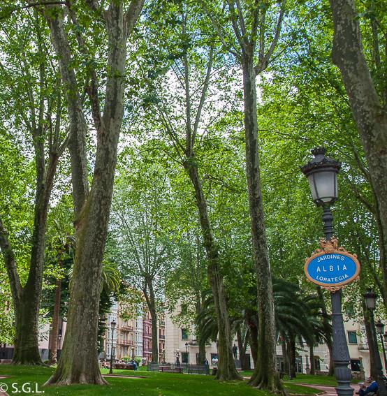 Bilbao por una bilbaina la gran v a and n 27 for Jardines de albia
