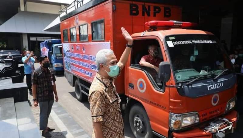 Ganjar Berangkatkan Relawan dan Bantuan Logistik Bantu Gempa di Sulbar