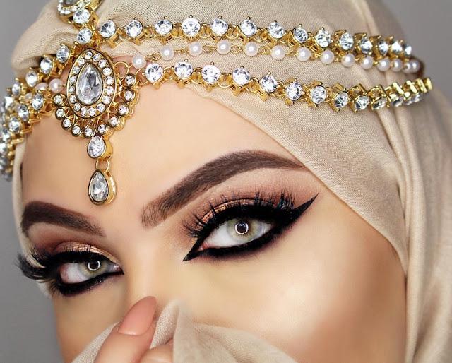 Почему мусульманки носят макияж дома. А вы знали об этом?