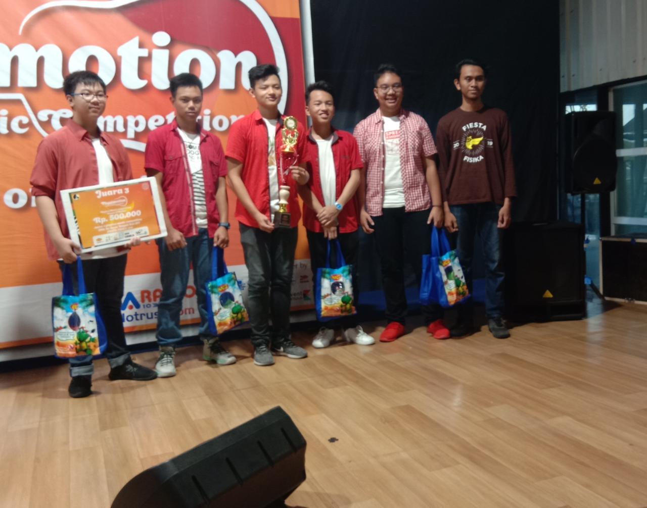 Band SMA KK Juara 3 Festival Akustik Fiesta UNS Se-Jawa Tengah