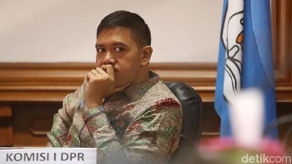 Golkar Ragukan Klaim PD: Andi Arief Tahu dari Mana Jokowi Tegur Moeldoko?