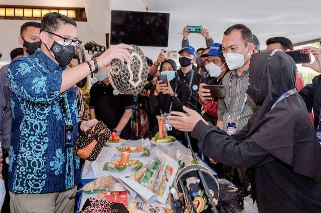 Sandiaga Uno Dukung Banyuwangi Tingkatkan Sektor Pariwisata dan Ekraf .lelemuku.com.jpg