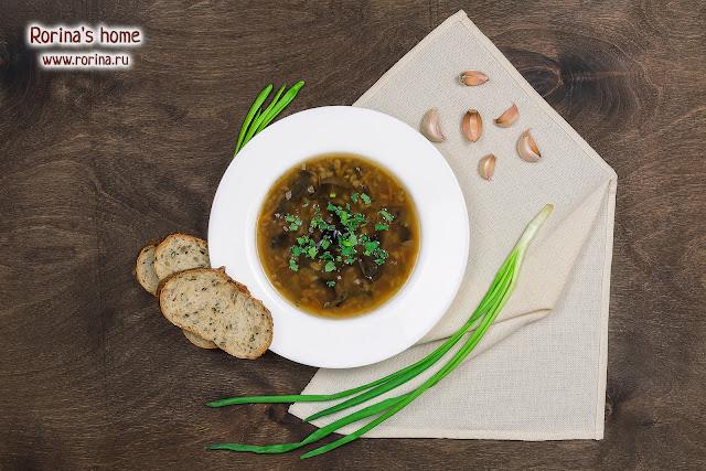 Пошаговый рецепт — суп грибной с перловкой постный
