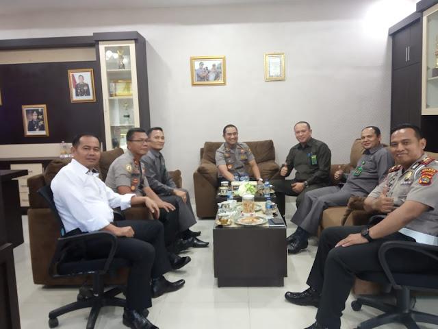 Kapolres Lambar Bersama PJU Polres Setempat Terima Kunjungan Ketua Pengadilan Negeri Liwa