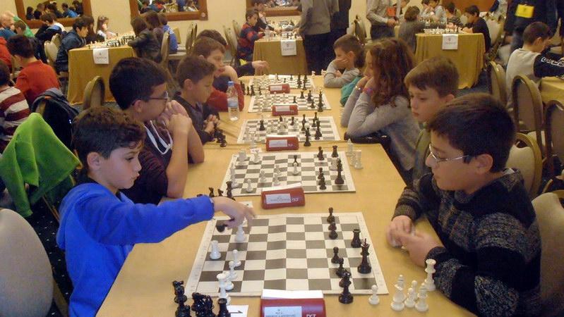 """Ρεκόρ συμμετοχών στο 5ο Ατομικό Σκακιστικό Πρωτάθλημα Rapid """"Φάρος Αλεξανδρούπολης 2016"""""""