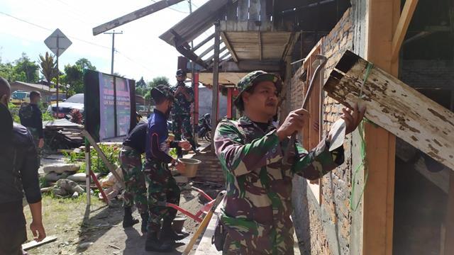 Dengan Karya Bhakti Bangun Gereja Dilaksanakan Personel Jajaran Kodim 0207/Simalungun Diwilayah