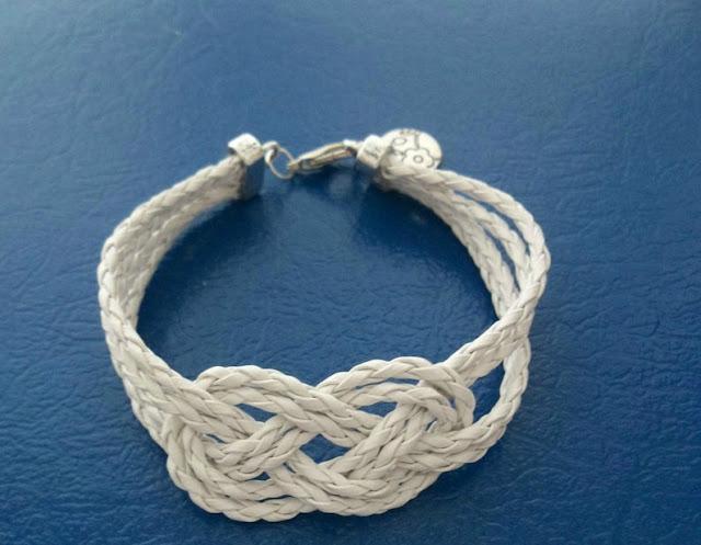 pulsera cuero blanco