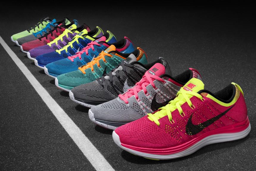 Daftar Harga Sepatu Running Nike Terbaru 2018. Running merupakan sebuah  olahraga santai yang bisa di lakukan dimana saja dan tahun ini running juga  menjadi ... fe2214365c