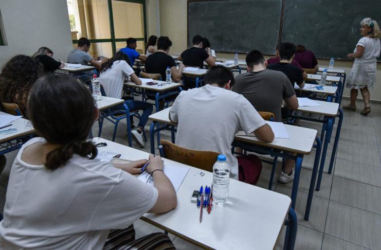 Εισαγωγή σε ΑΕΙ: Από του χρόνου θα συνυπολογίζεται ο βαθμός και των τριών τάξεων του Λυκείου