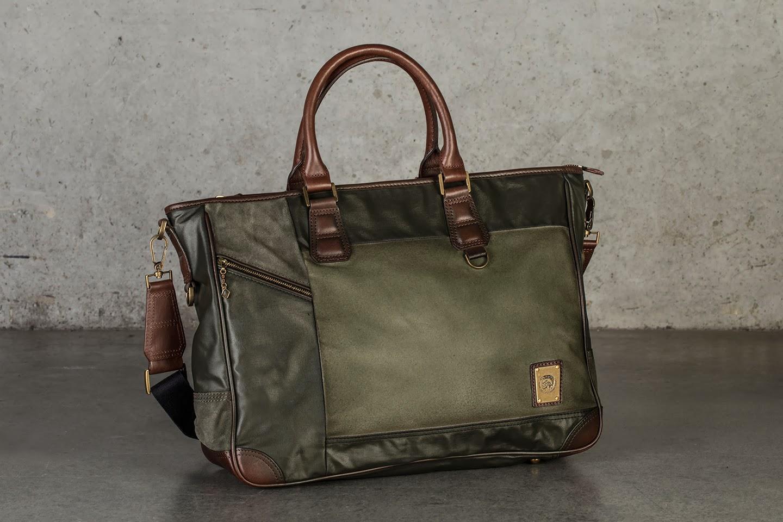 134e1c7c8255 Любая мужская сумка Diesel новой коллекции 2014 года от бренда отлично  подойдет не только под модную одежду Diesel коллекции этого года, ...