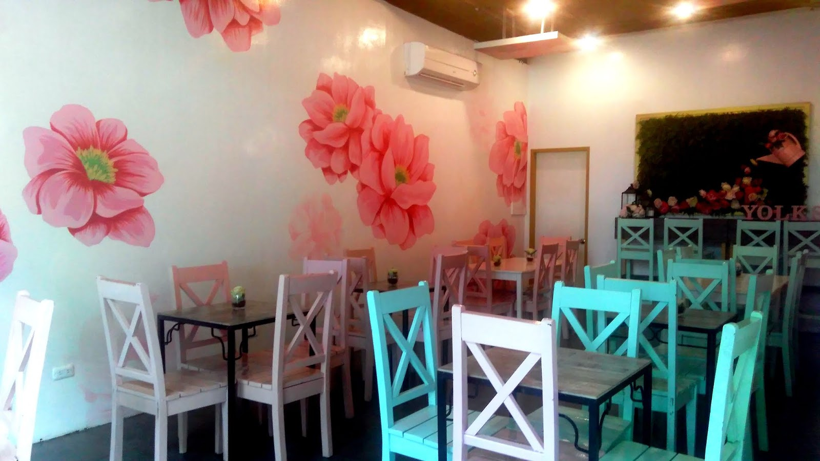 Yolks Flower Cafe + Cupcakery - Davao City  #YolksPh #MamaMiah #MommyBlogger
