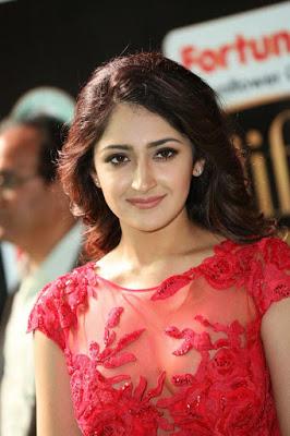 Sayesha%2B%25283%2529 - Sayesha Saigal Sexiest Images & Photo Gallery|Vanamagan Actress Hot Stills|
