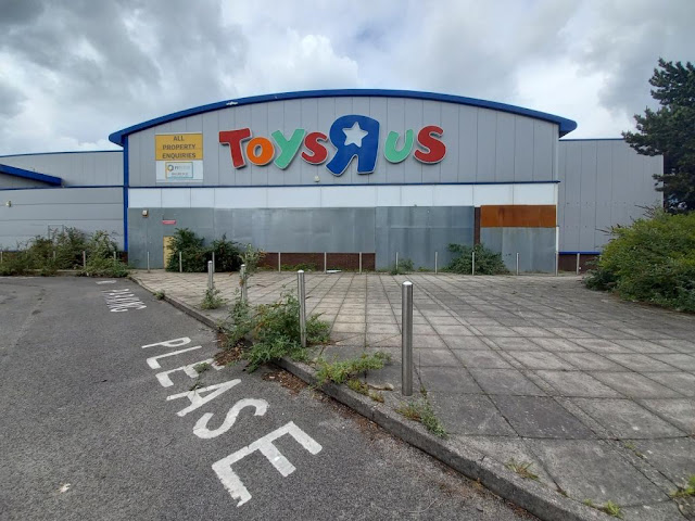 Toys R Us in Southampton