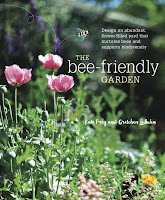 The Bee-Friendly Garden: Design an Abundant, Flower-Filled Yard That Nurtures Bees and Supports Biodiversity by Kate Frey and Gretchen LeBuhn