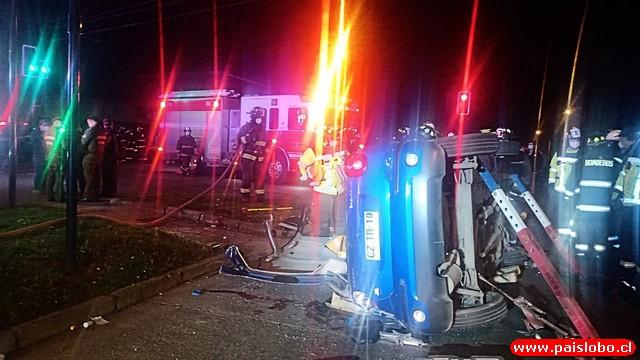 Bomberos concurría a incendio de vivienda cuando colisionó con vehículo particular