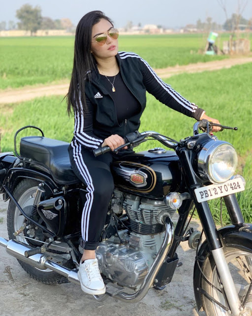 Ash Kaur  (Indian Actress) Wiki, Biography, Age, Height, Family, Career, Awards, and Many More...