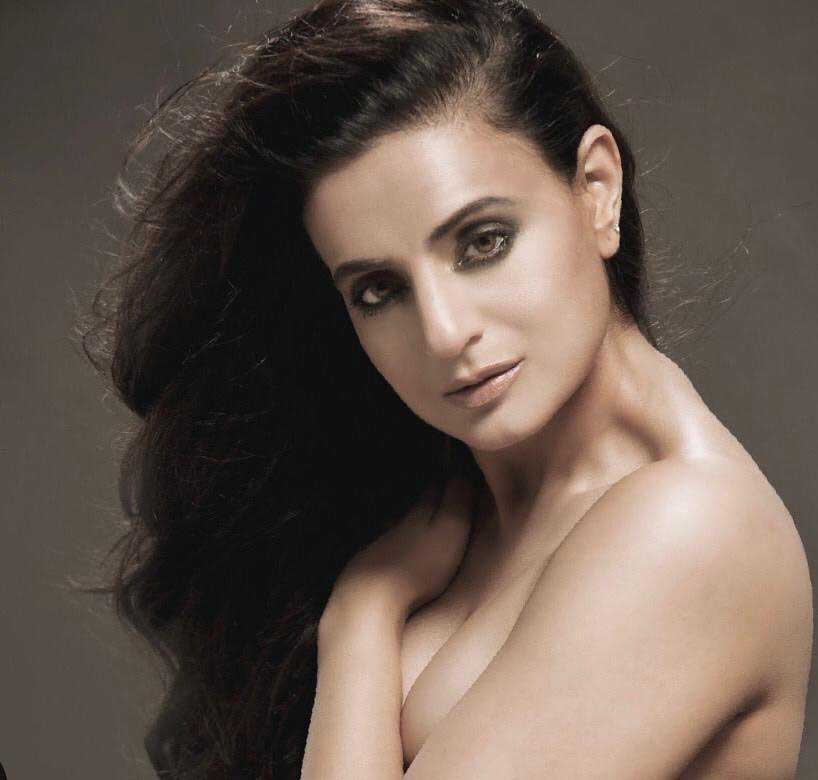 ameesha patel hot, ameesha patel hot photoshoot