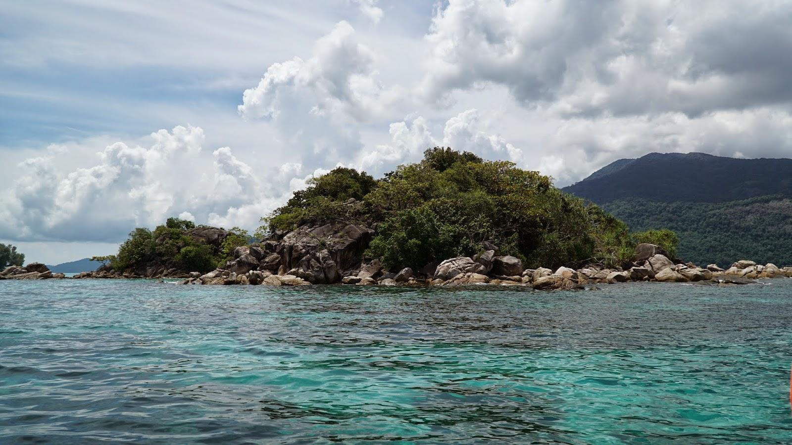 The snorkeling site off Koh Kra