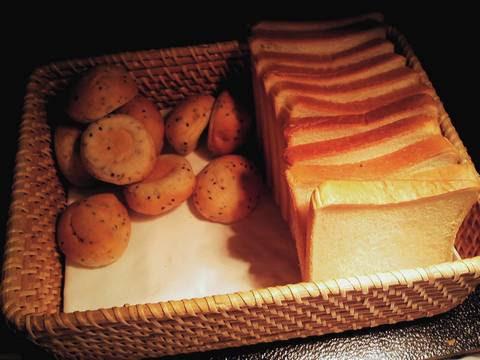 ビュッフェコーナー(セサミロール・食パン) サザンクロス