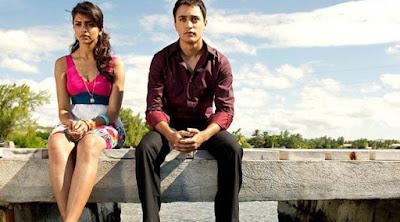 رجل يخاصم امرأة حبيب حبيبته مشاكل عراك مشاجره خصام زوج زوجته man woman fighting couple lovers sitting on bench