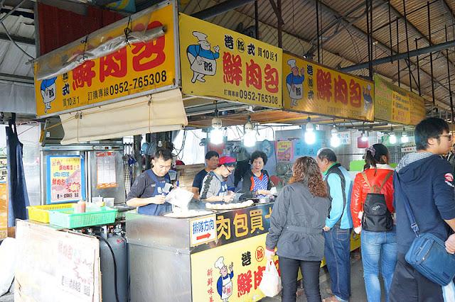 DSC08443 - 十甲新光黃昏市場│郎港式鮮肉包銅板小吃,肉餡口感紮實人潮多多