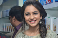 Rakul Preet Singh in a Designer saree at Launch of BIG C Show room at  Kurnool ~ Celebrities Galleries 010.jpg
