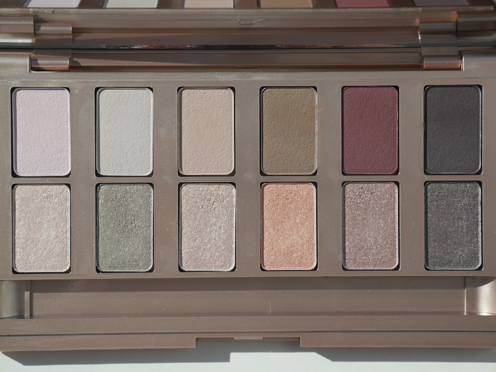 beauty, eyeshadow palette, Canadian brand, cool tones, Canadian Beauty