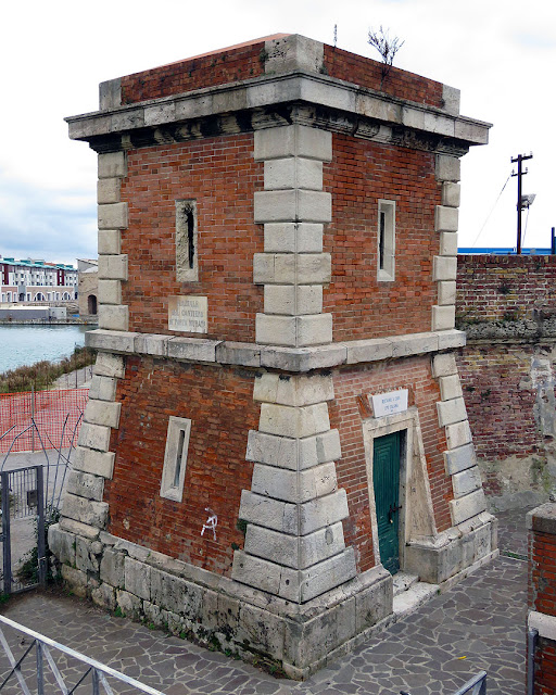 Swing bridge tower, Porto Mediceo, Livorno