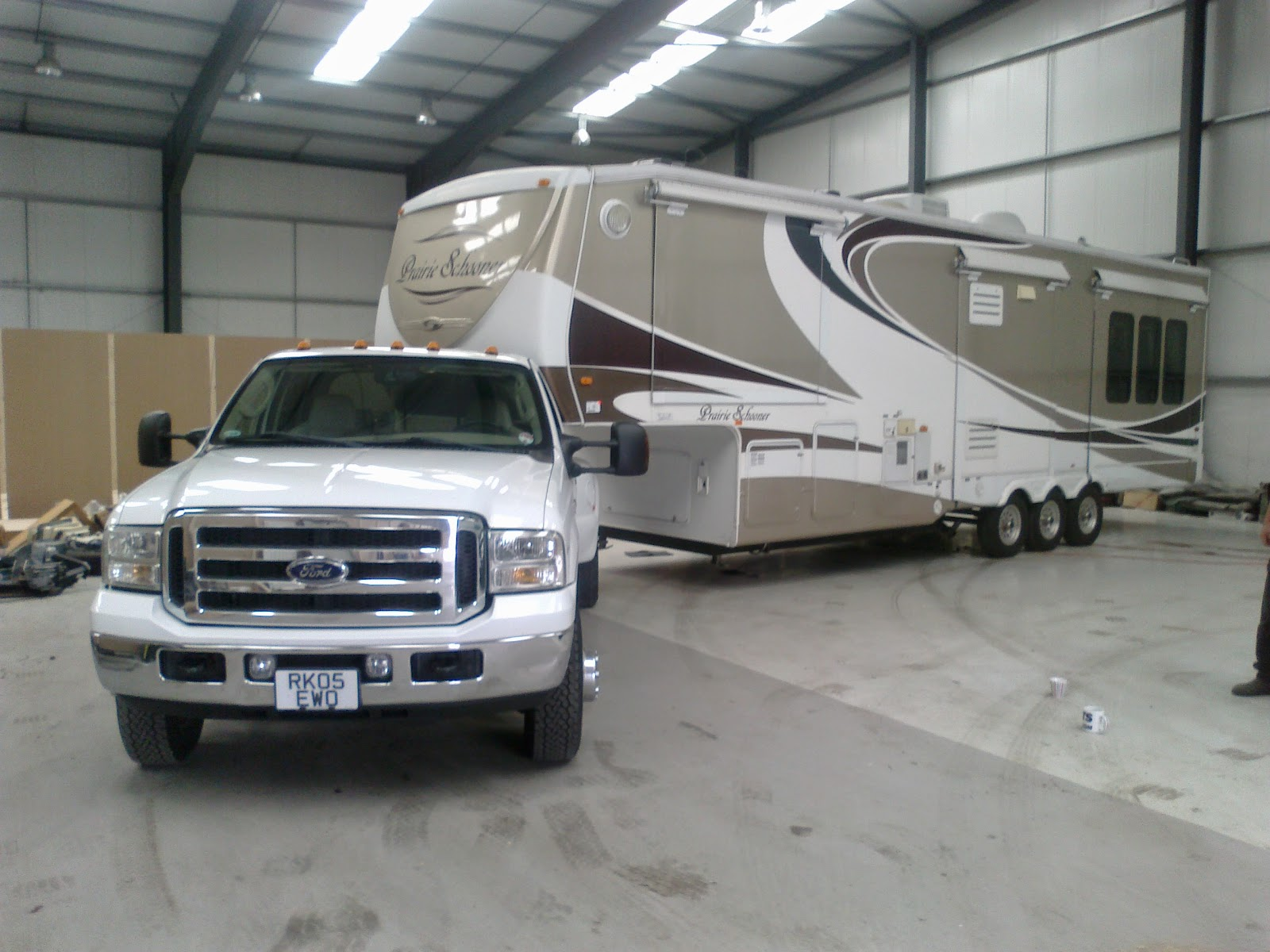 5th wheel trailer delivery to France