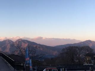 石段街から見る山々