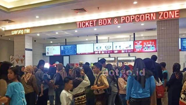 Nonton Film di Cikampek Mall di CGV Blitz