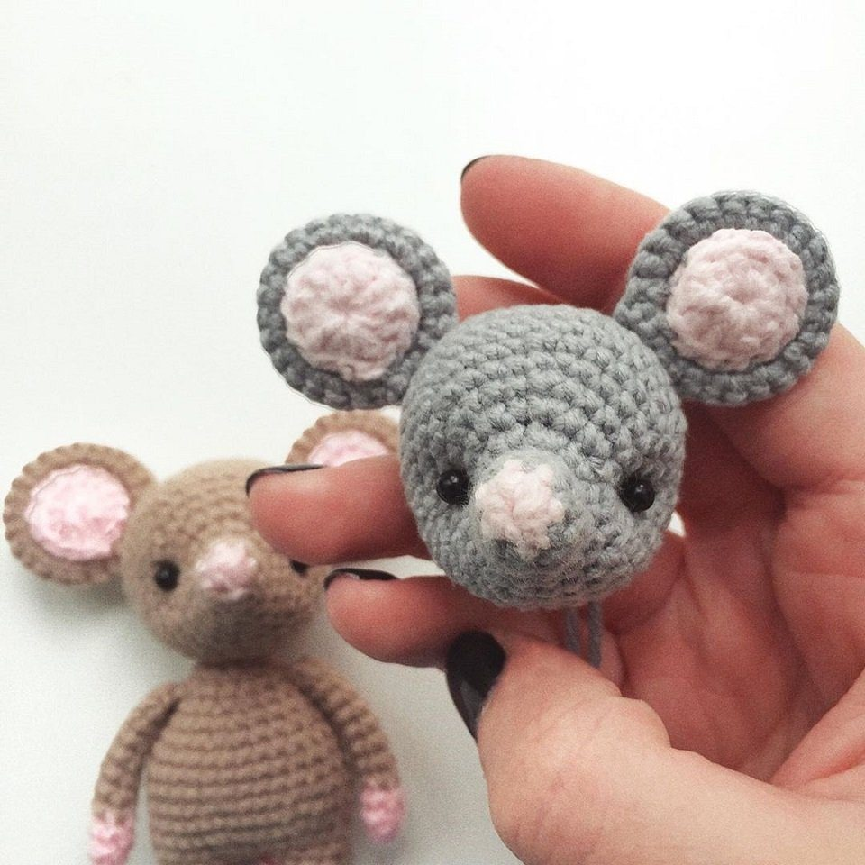 Amigurumi mouse pattern