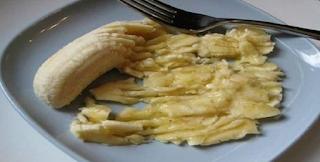 Τέλος στον βήχα! Λιώνει μια μπανάνα και βάζει 2 μαγικά συστατικά. Το αποτέλεσμα; Θα σας αφήσει άφωνους!