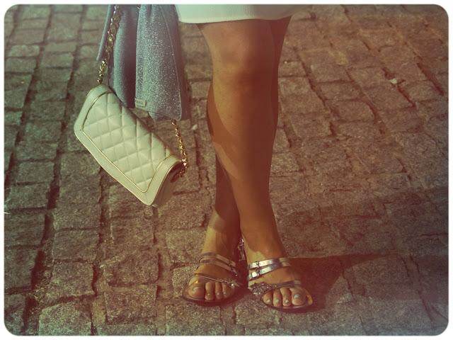 sandalias-planas-plateadas