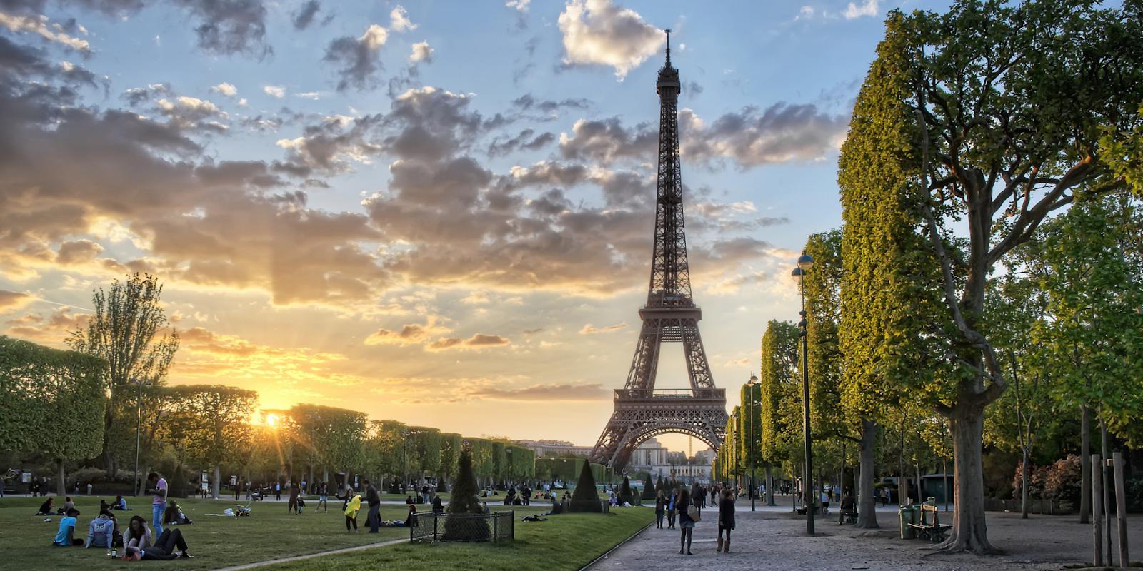 Topik Paris di INSIDR