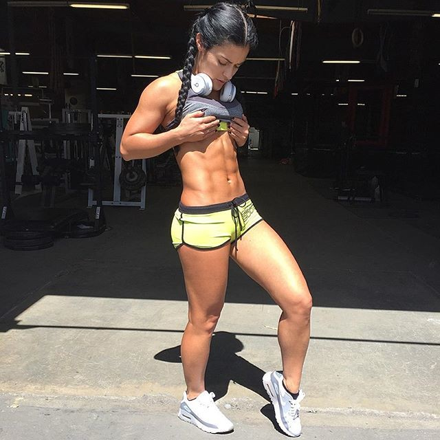 Fitness Model Jessica Arevalo @jessicaarevalo_ Instagram photos