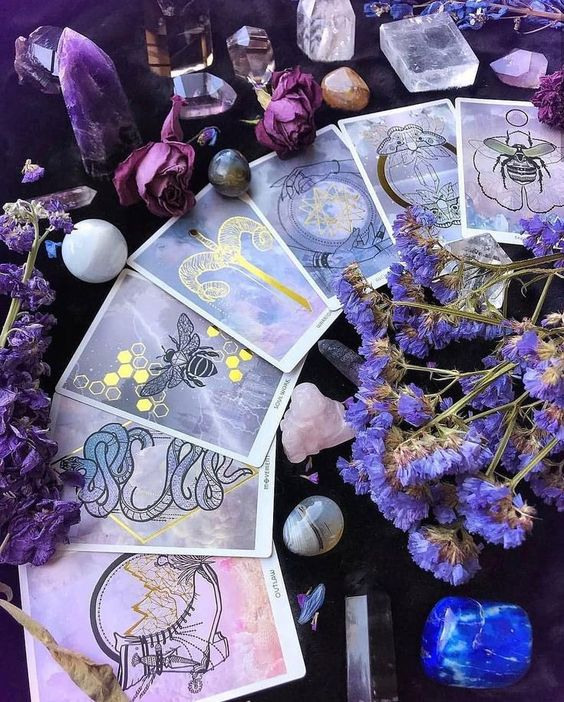Make a Tarot Connection Today!