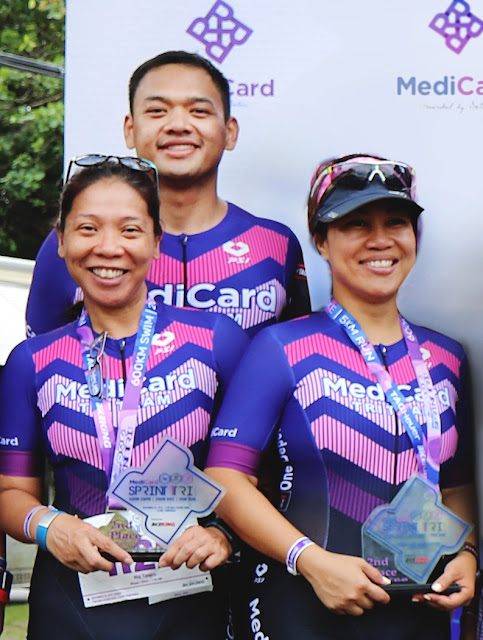 (top) Rejie Ronquillo, (rightmost) Jil Go and Ria Tangco