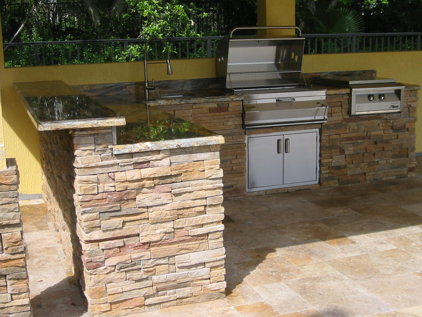 Cheap Outdoor Kitchen Doors And Drawers