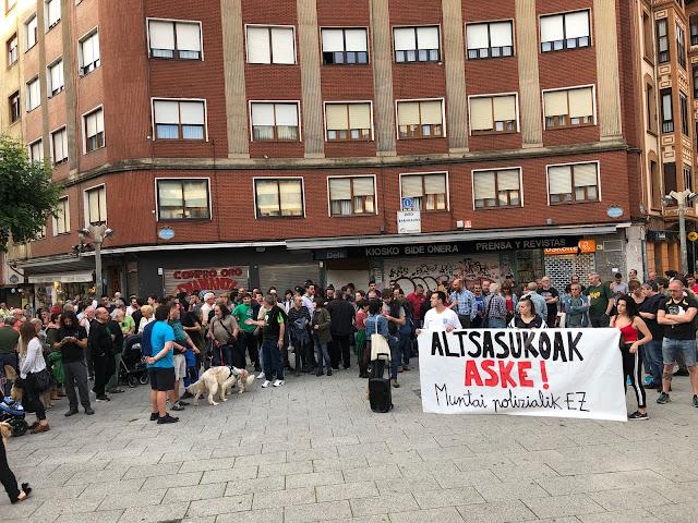 concentración contra la prisión de jóvenes de Alsasua